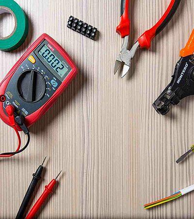 Messgerät und Werkzeug